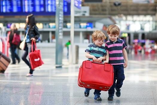 Trẻ em trên chuyến bay Thai Airways